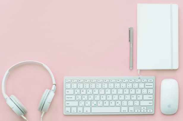 apple mouse gadgets headphone keyboard